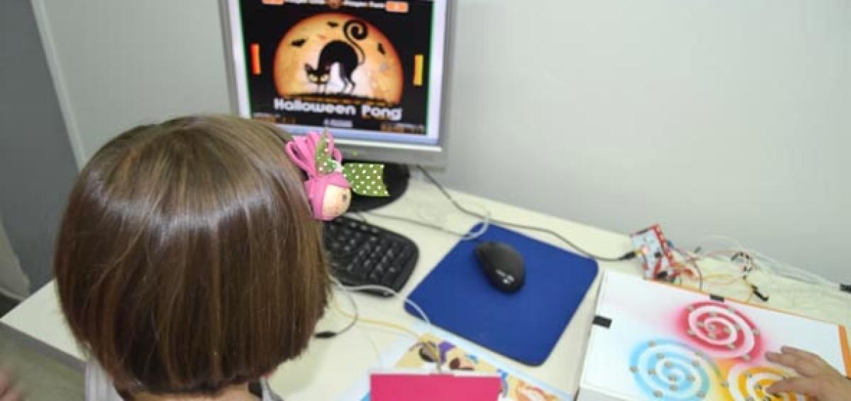 ConMasFuturo lleva a A Coruña su trabajo de fomento del Bilingüismo Tecnológico para niños y niñas 4