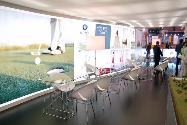 stand de diseño roda golf