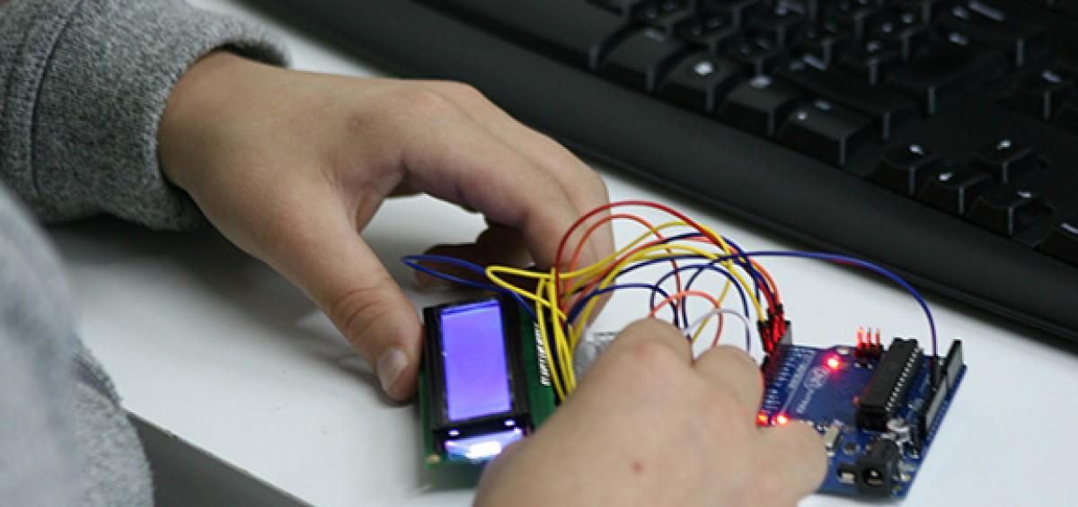ConMasFuturo pone en marcha sus cursos de fin de semana de programación e ingeniería para los más pequeños 2