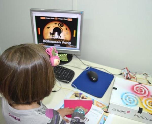 ConMasFuturo lleva a León su trabajo de fomento del Bilingüismo Tecnológico para niños y niñas 4