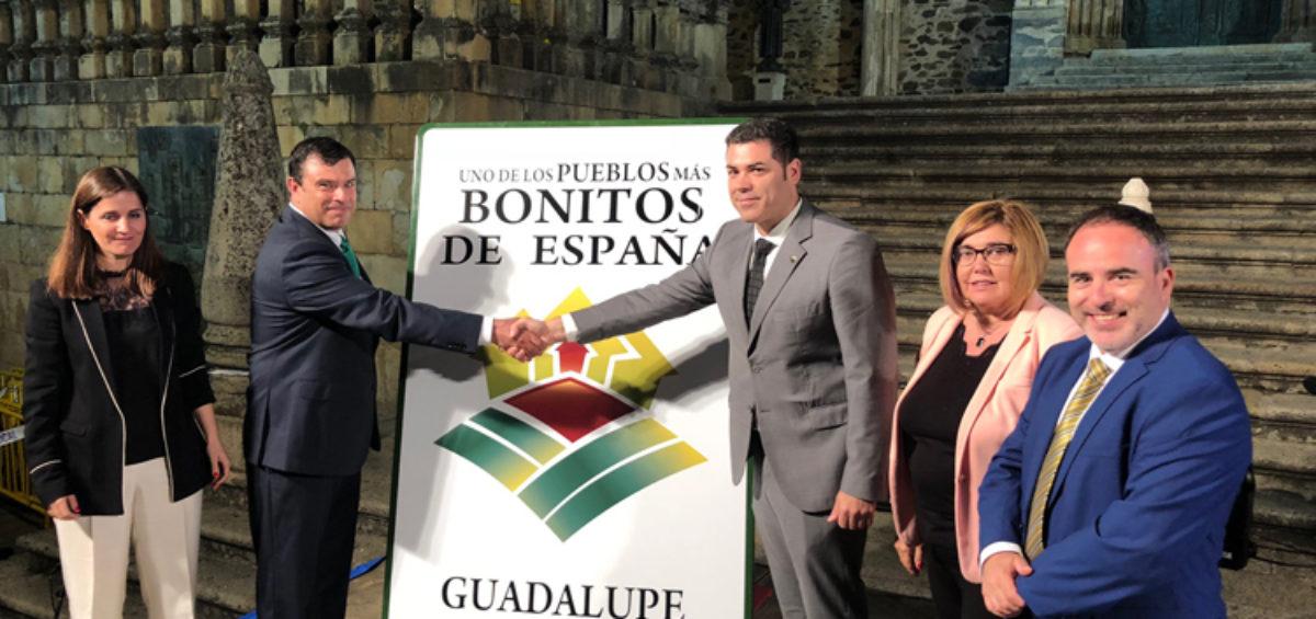 """Guadalupe destapa su cartel como uno de  """"Los Pueblos más Bonitos de España"""" 2"""