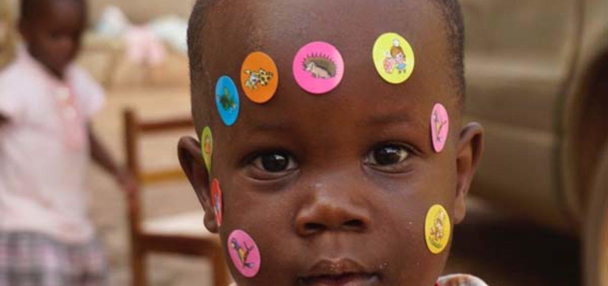 El Proyecto Chloé consiguió todos los fondos para dotar de material médico y quirúrgico el Consultorio de Entebbe (Uganda) 11
