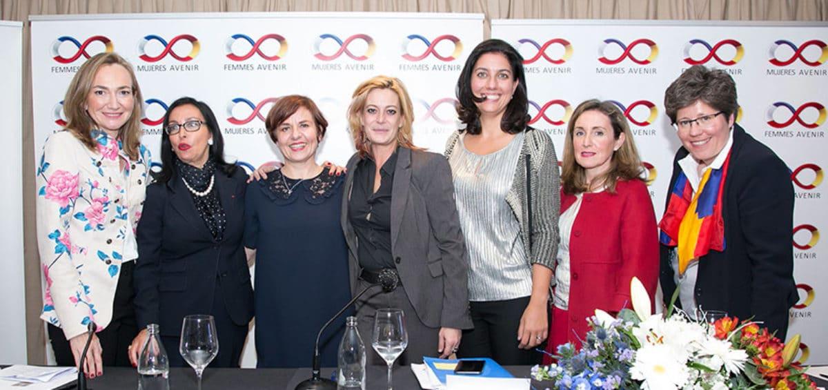 Las mujeres, por sus capacidades de creatividad, innovación y trabajo colaborativo, están llamadas a liderar la cuarta revolución industrial 2