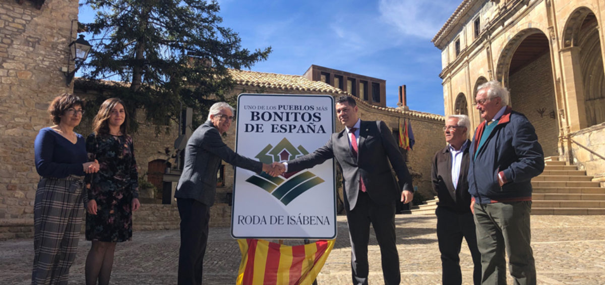 Roda de Isábena destapa el cartel que le acredita como Uno de Los Pueblos más Bonitos de España 15
