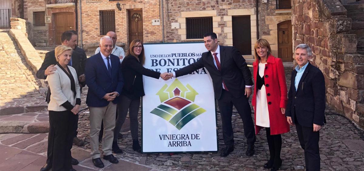 Los municipios de Viniegra de Abajo y Viniegra de Arriba destapan el cartel que les acredita como Pueblos más Bonitos de España 11