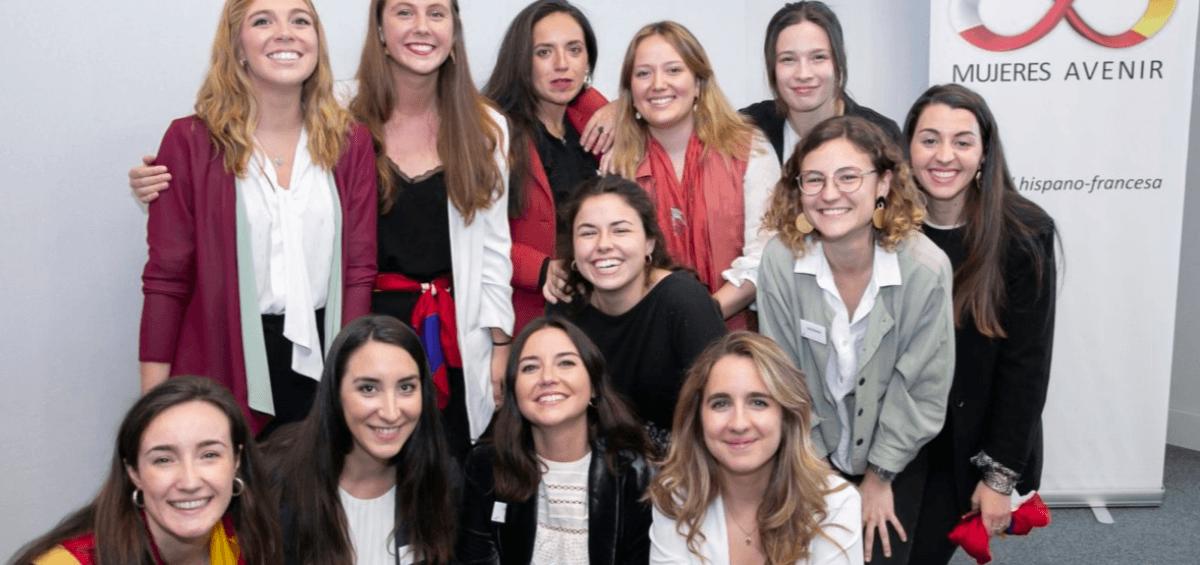 Las mujeres jóvenes eligen empleos que apoyen el desarrollo de la carrera profesional y compartan sus valores de igualdad de género 10
