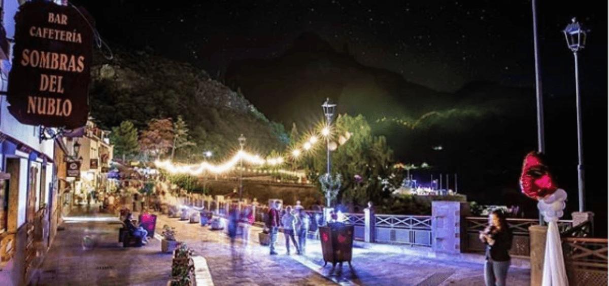 Los Pueblos más Bonitos de España presentan a los tres ganadores del concurso de fotografía de La Noche Romántica 2