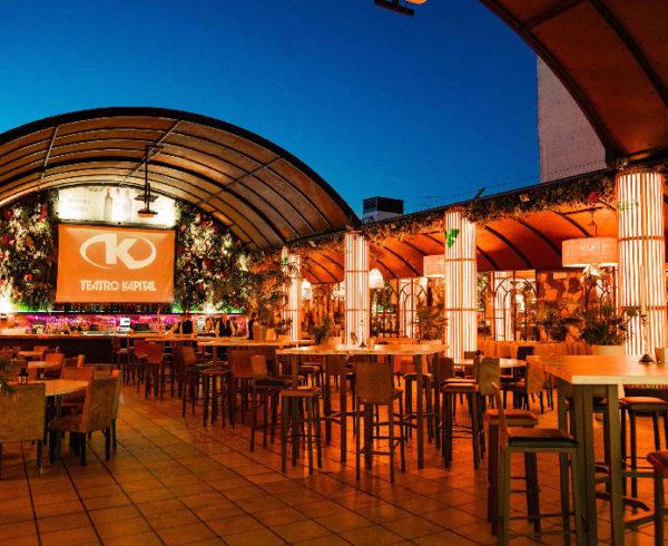 Disfrutar de la noche desde el exterior. La terraza del Teatro Kapital: un espacio al aire libre para mitigar el calor en el ambiente más glamuroso 8