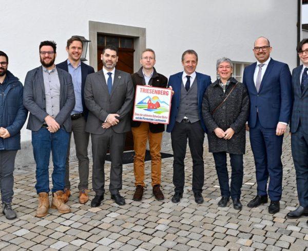 El presidente de Los Pueblos más Bonitos del Mundo, el español Francisco Mestre, viaja a Suiza para dar la bienvenida a Lichtenstein en la Federación 10