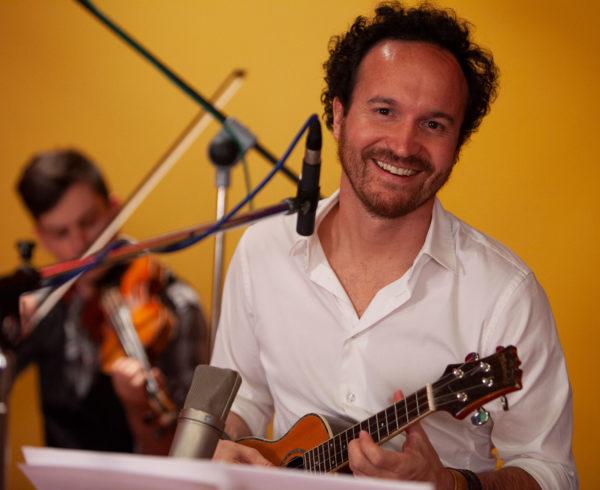 El compositor español Juan Antonio Simarro pone letra y música a la reaparición de PopStars 4