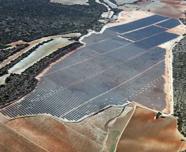 El futuro de las ciudades es la sostenibilidad y compromiso por el medio ambiente, apostando por la energía 100% solar 18