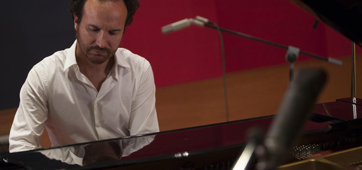 """""""Pensamientos"""", la última composición de Juan Antonio Simarro: una oda a la reflexión 2"""