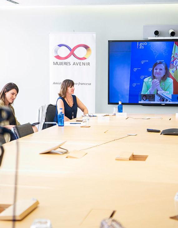 """Cristina Gallach, Secretaria de Estado de Asuntos Exteriores, incide en la necesidad de """"ponernos unas gafas de género y políticas feministas"""" para poder salir adelante de la crisis 1"""