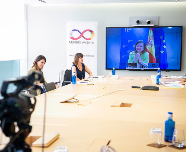 """Cristina Gallach, Secretaria de Estado de Asuntos Exteriores, incide en la necesidad de """"ponernos unas gafas de género y políticas feministas"""" para poder salir adelante de la crisis 4"""