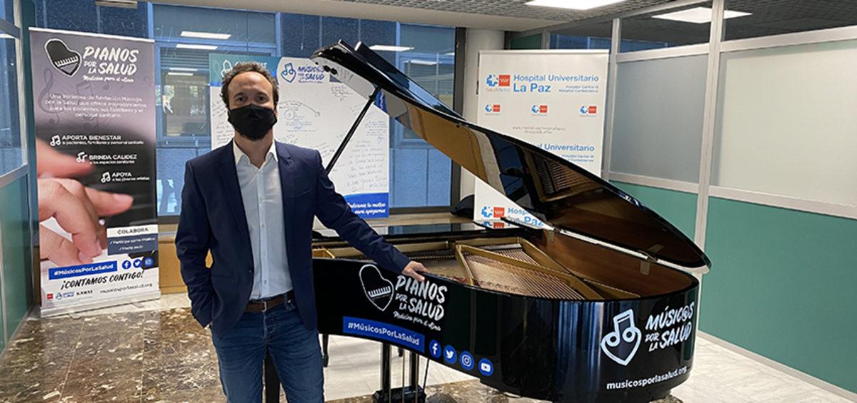 El compositor Juan Antonio Simarro da un concierto solidario, homenaje a los trabajadores del Hospital de La Paz 12